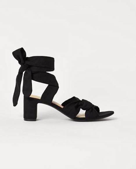 Solmittavat sandaletit, 13,99 € (24,99 €), H&M.